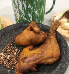 Ayam goreng geprek