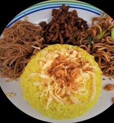 Nasi uduk Kuning Lengkap