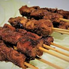 2 Porsi Sate Ayam Bumbu Manis Free Lontong